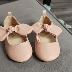 GAP Shoes - Great condition light pink ballet flats